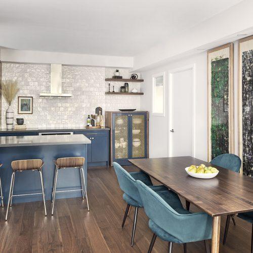 condo kitchen renovation, toronto condos, kitchens, blue kitchen, white backsplash, quartz counter, wall oven, wood cabinet accents, toronto design, linda mazur design